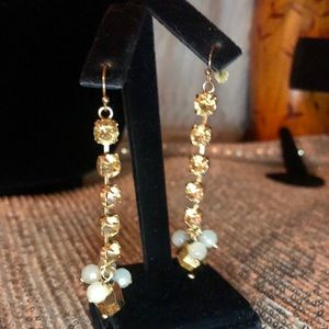 🌸Gold crystal and bead drop earrings🌺💕🌸